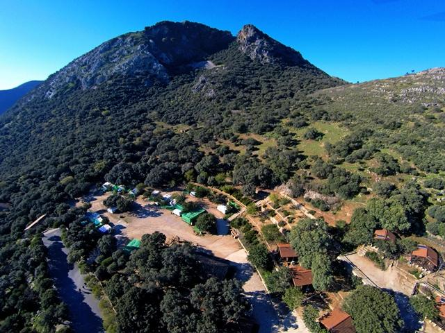 Campings y Bungalow en Andalucía - Campings el Peñón - Algamitas
